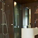 Business single room bathroom
