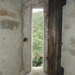 """Blick aus einer der zahlreichen """"Fenster/Öffnungen"""" im Georgs-Turm"""