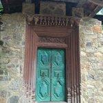 Centre door