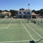 Exterior da Moradia e 2 Courts de Tennis