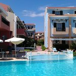 Вид на отель со стороны моря