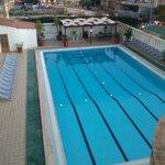 piscina con possibilità di corsi nuoto o acquagym