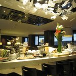 Continental Club Lounge - Evening Spread + Alcohol