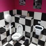 Les WC où même ici la déco n'a pas été oubliée.