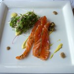 House cured salmon gravlax (excellent)