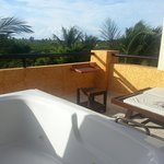 jacuzzi on balcony