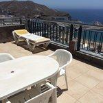 Store terrasser med egne solvogne og bord/stole