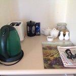 Cottage ... tea/coffee making, toaster & fridge