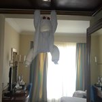 A Monkey that is reshaped from Towels