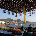 Bar bajando para la playa, 5 minutos desde el hotel
