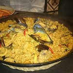 Paella mixed seafood \ chicken