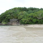 Вид на остров с его берега
