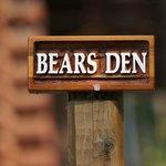 Bear's Den log cabin
