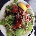 Salade au thon mariné