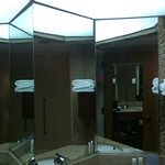Bathroom sink with Tri-panel Mirror