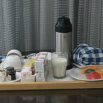 free breakfast delivery in room