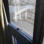 Detalle limpieza cristales ventana (no habia llovido)