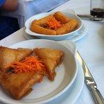 tiropitakia e crocchette di formaggio
