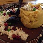 Horohvlaska: mashed beens with mash potatoes