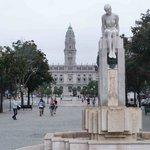 Towards the Porto city hall