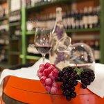 Nuestra vinoteca...todo un placer para los sentidos!