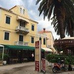 front of hotel & restorant