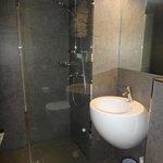 Bom banheiro para os padrões de Paris.