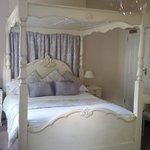 Pretty room, lovely for a Wedding Anniversary