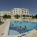 vista dell'hotel dalla piscina