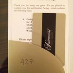 Contactless room keycard
