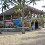 commerce sur la plage de l'hôtel