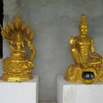 Golden statues at the big buddha