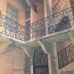 scala con ringhiera in ferro battuto a Lione