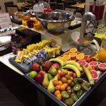 Una visuale della colazione (con prodotti anche per celiaci ed intolleranti al lattosio)