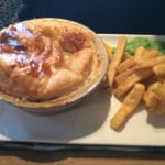 pie and chips n peas