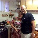 Milo in cucina, platano fritto in cottura! :)