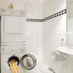 Apartment with tumble dryer and washing machine
