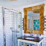 Picasso room bathroom, more pics at simplycyn.com