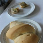 付け合わせのパンはわりとパサッとした素朴な味