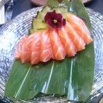 sashimi de salmón,