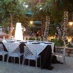 Una cena romantica inolvidable en el campo de Sicilia