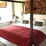 Lyde Green Four Poster room