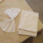 Particolare letto e asciugamani