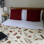 Beau Nash small double en-suite room