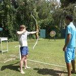 Yassir учит моего мужа стрелять из лука!!! Yassir профи)
