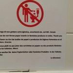 In tutti i bagni è presente il seguente avviso : si prega di non buttare carta igienica nel Wc..