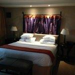 Suit bedroom