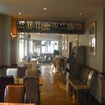 Side restaurant bar area