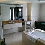 Suite bathroom, large!