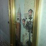Dørblad med kjente italienske motiver.